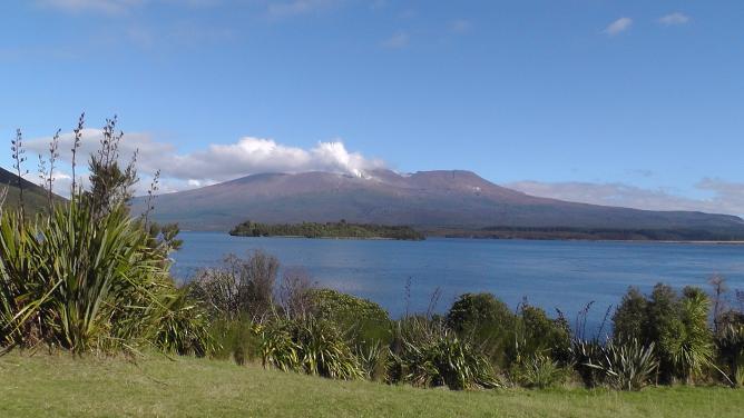Lake Rotoaire, looking at Tongariro and Ngauruhoe